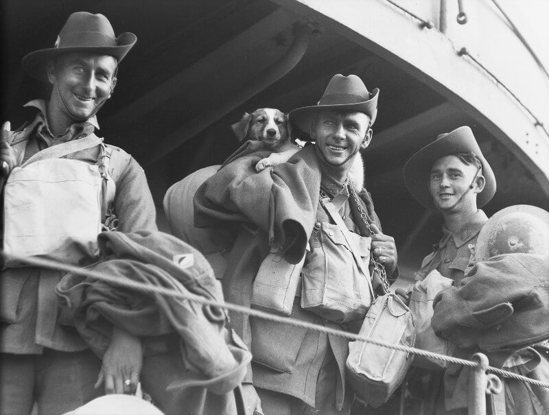 Black and white photo of Australian soldiers on a troop ship after the evacuation from Tobruk in 1941