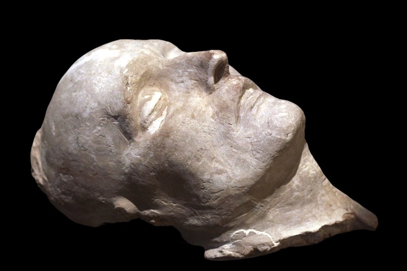 Photo of plaster version of Napoleon's death mask