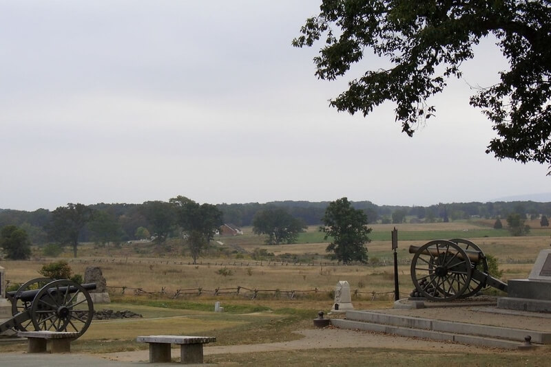 Landscape photo of Gettysburg Battlefield, with two period canons in the foreground!