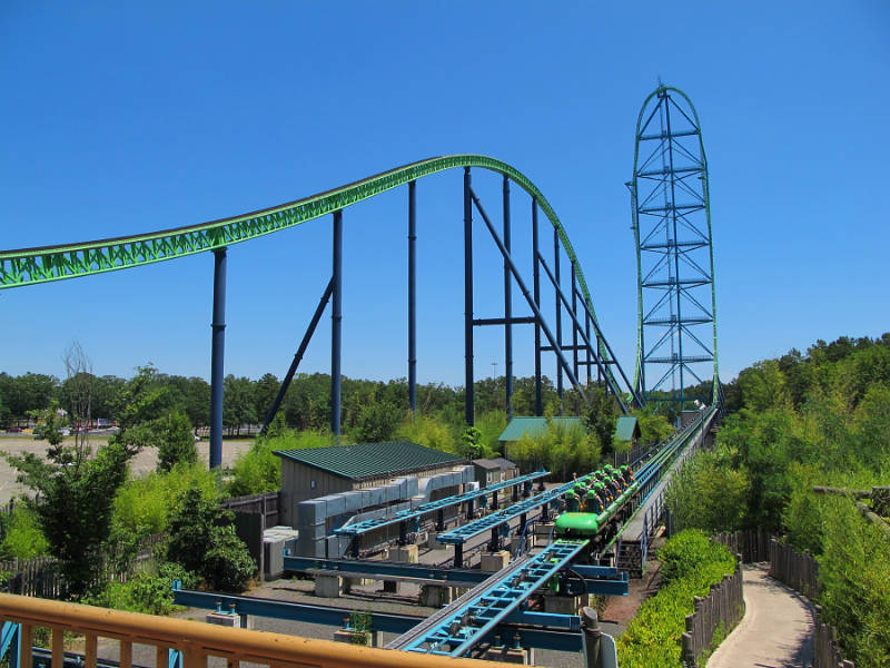 The tall vertical drop of the Kingda Ka rollercoaster