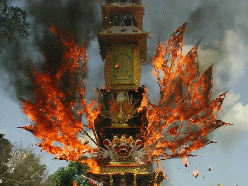 A decorative Waddhu on fire