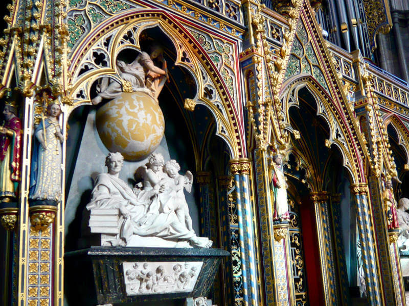 Sir Isaac Newton's memorial in Westminster Abbey