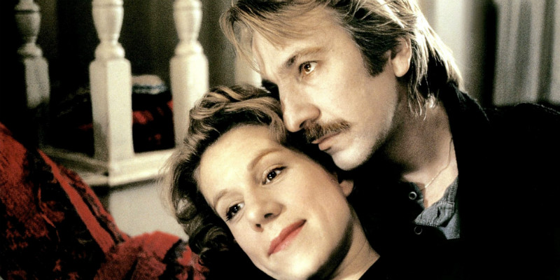 Alan Rickman and Juliet Stevenson in Truly Madly Deeply