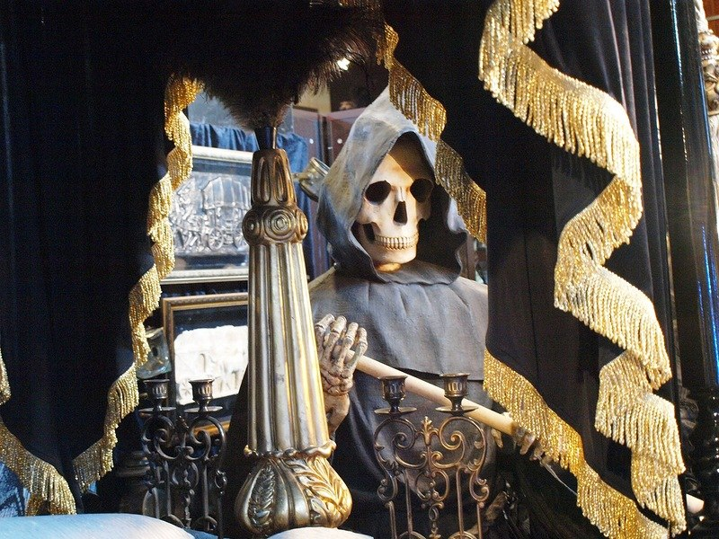 World Museum of Funeral Culture - grim reaper tableau