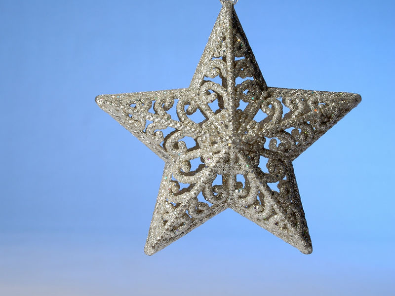 children coping with grief at Christmas - star ornament